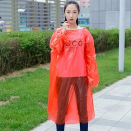 Uma capa Cap tempo disponível Raincoat Poncho transparente Pe emergência Rainwear Outwear portátil deve Outdoor chuva desgaste do Adulto 1 9fs E19 em Promoção