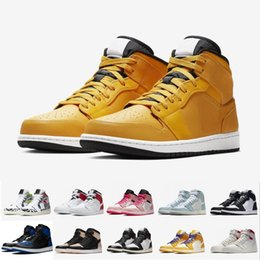 Panda Canvas Shoes Australia - New Men 1s Topaz Mist 1 WMNS Panda Cactus Jack CRIMSON TINT Turbo Green Chicago GYM RED Taxi Basketball Shoes Sneakers With Box