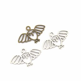 Ancient Silver Owl Australia - 2019 owl shape antique silver Ancient bronze Ancient bronze DIY Jewelry accessories Retro alloy decorate Pendant