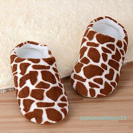 cute winter shoes for girls Canada - Winter Slippers For Women Home Plus Size Flock Indoor Women Slippers Cute Animal Deer Pattern Printed Shoes Female Girl shoes t19