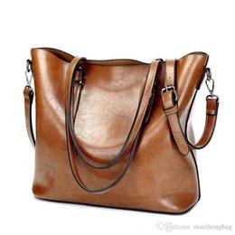 0d8efb731bd55 Nice Pop European And American Simple Large-capacity Handbag Oil Wax  Leather Soft Shoulder Bag Messenger Bag A Variety Of Colors For Tide