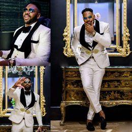 2019 Nuevos Diseños de Boda para Hombre Traje 3 Piezas Estampado floral para hombre Traje Slim Fit Un Botón Peak Notch Solapa Tuxedo para Boda en venta