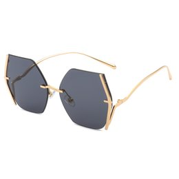 $enCountryForm.capitalKeyWord UK - Europe and the United States big box sunglasses retro box personality sunglasses ladies personality gold frame top sun visor ocean lens