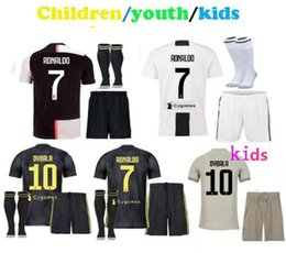 a870b20c744 Maglie calcio 2018 2019 20 Juventus Kids Kits RONALDO Juventos soccer  jerseys youth boys DYBALA 19 20 children uniform football kit