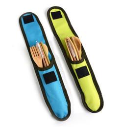 Großhandel Dhl 6 teile / satz wiederverwendbare bambus reisebesteck esszimmer bambus gabel messer löffel stäbchen stroh reinigungsbürste besteck utensilien set mit tasche