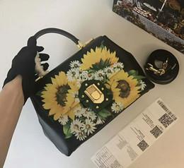 $enCountryForm.capitalKeyWord Australia - Designer luxury handbags purses black genuine cow leather totes Sunflower printed crossbody bag brand ladies shoulder bags 26*19*11cm