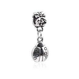 $enCountryForm.capitalKeyWord UK - Funny Silver Pendants Fit Pandora Charms Bracelets Antique Alloy Ladybug Engraved Pendant DIY Necklace Insect Jewelry Accessories DZ77