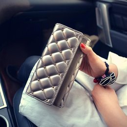$enCountryForm.capitalKeyWord Australia - Factory wholesale brand handbag leather wallet cover double personality hand fashion women classic Argyle rivet Wallet Purse embroidered lin