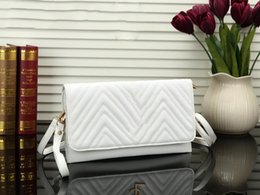 Plum Clutch Bags Australia - Designer ladies clutch bag wallet fashion Paris striped portable evening bags high quality luxury Messenger bag Variety 8 ribbon logo