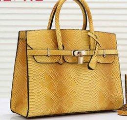 Опт Новые сумки на ремне, дизайнерские сумки на ремне, кожаные сумки, модные женские сумки оптом и в розницу лучшие цены