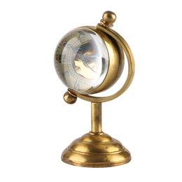 Spinning Globe Gold Tischuhr, Kreative Heimtextilien Taschenuhr, Kupfer Tischuhr Handaufzug Bewegung für Männer Frauen im Angebot