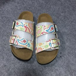 Wholesale Teenagers Slides for Casual Wear Holiday Dad and Son Mataching Shoes Buckle Straps Clogs for Sale Breathable Slippers