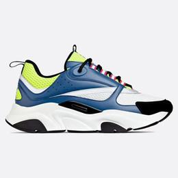 Venta al por mayor de Nuevos zapatos de lujo de moda de 2019 Calzado de diseñador y ocio para hombres y mujeres. Zapatos de ocio de diseñador de lujo.