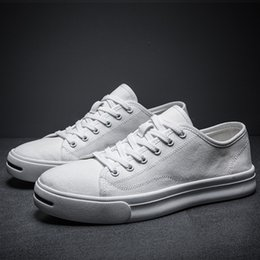$enCountryForm.capitalKeyWord Australia - 12019 Classic Man Canvas Skate Shoes Hatch Laugh Quality Male Shoe School The Wind All-match Small White Shoes