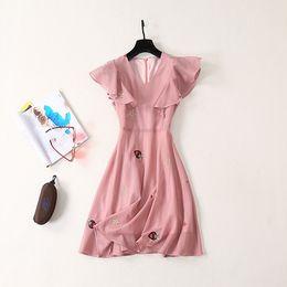 $enCountryForm.capitalKeyWord NZ - New Summer Dress of 2019 V-neck Slender and Immortal Summer Skirt Slender Mesh Embroidery Pink Dress