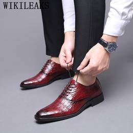 3f4bb52a Marca de lujo italiana zapatos de vestir para hombre zapatos oxford para  hombre dedo del pie puntiagudo boda sapato social masculino zapatilla hombre