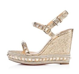 $enCountryForm.capitalKeyWord Canada - New Brand Designer Fabrics Studded Plain Leather Sliver Golden Red Bottom Wedge Sandals Elegant Style Pyraclou Famous Brand Dress EU35-42
