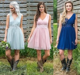 985b78c7bbd Country Style Short Bridesmaid Dresses 2019 Simple Design V-Neck Ruched  Backless Summer Boho Bridesmaids Dresses For Teens Short Dress