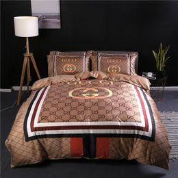 $enCountryForm.capitalKeyWord Australia - 2019 Letter Print Khaki Duvet Cover Set 4PCS Fashion Logo Retro Design Bedding Sets America Europe Popular Bed Cover Suit