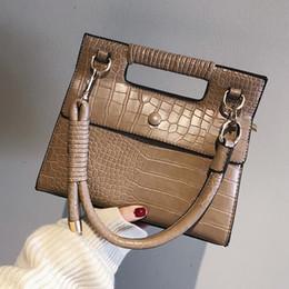 Branded Handbags Australia - Brand Women Vintage Messenger Bags Pu Alligator Leather Handbags Women's Shoulder Bags Designer Female Cute Rivet Ladies Bag 347