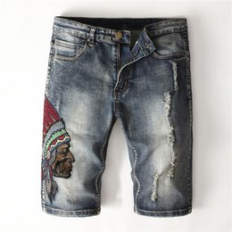 Wholesale dark blue mens jeans resale online – designer Mens Vintage Embroidery Short Jeans Fashion Distrressed Dark Blue Shorts Mens Designer Panelled Jeans With Zipper