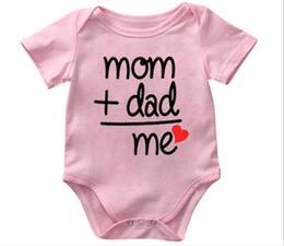 $enCountryForm.capitalKeyWord Australia - Cute Baby Jumpsuits infant Onesie Bodysuit Newborn MOM+DAD Letter print cotton Rompers Baby boy Girl clothes 2019 Summer Cheap Wholesale