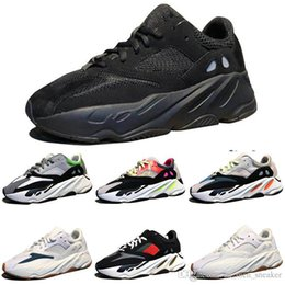 cheap kanye shoes UK - Cheap Kanye West Wave Runner 700 Boots Grey Running Shoes for men 700s womens mens Sports Sneakers trainers outdoor designer Causal shoes