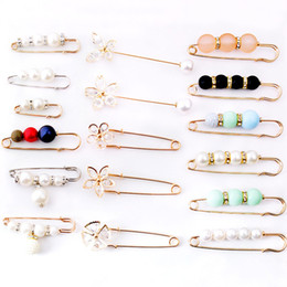 Accessories hijAb pArty online shopping - Vintage Crystal Brooch Pin Pearls Brooches Dress Rhinestone Decoration Buckle Jewelry Brooches For Women Broche Hijab Pins Accessories Gift