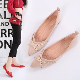$enCountryForm.capitalKeyWord NZ - New summer women designer shoes ladies flat pointed toe suede with rivets ballet flats,ladies black red comfortable loafer party dress shoes
