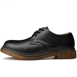 Botas dos homens Plus Size 35-46 Novos Botas de Couro Casual Mens Segurança Botas Sapatos de Couro Genuíno venda por atacado