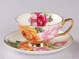 Venta al por mayor de Rose Cerámica Tarde Té negro Tazas y platillos Hueso China Taza de café con bandeja Juego de vasos de porcelana Envío gratis 2019