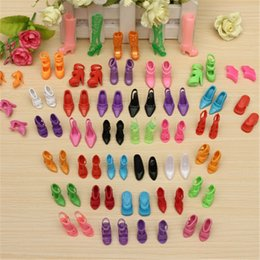 different shoes UK - 40 Pairs 80pcs Doll Shoes Fashion Cute Colorful Assorted Shoes Kit Different Styles Baby Toy Accessories