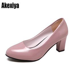 Queen B Dresses UK - Dress Shoes 2019 New Size 35-40 Pumps Women Fashion Antumn Elegant Lady Sexy Party Queen Round Head Shallow D521