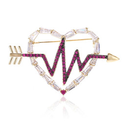 suits brooch designs UK - XIUMEIYIZU Latest Fashion Design Crystal Heart Brooches Pins Arrow Through Heart Lovers' Suit Corsage Wedding Brooch