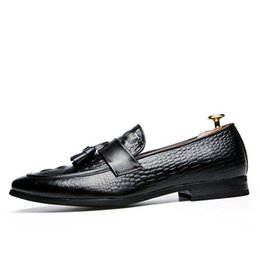 Formal Shoes Snake Skin Men Patent Leather Shoes Designer Fish Skin Wedding Male Footwear Italian Tassel Dress Brogue Oxford Shoes For Men