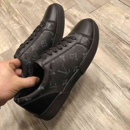 Discount wedding dresses help - Top luxury Men Dress Shoes 2019 new printing Genuine leather fashion Low help Flat classic casual shoes with box size US