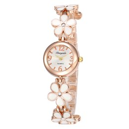 Chinese  Ladies Fashion Watch Full Metal Petal Design Rose Gold Bracelet Watch Young Ladies Jewelry Clock Relogios Femininos De Pulso manufacturers