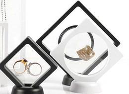 $enCountryForm.capitalKeyWord Australia - 14x14cm Black White Floating Suspended Display Case PET Membrane Acrylic Coins Gems Jewellery Stand Holder Box