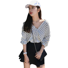 Autumn Women Blouse New Fashion Striped Shirts Sexy V-neck Bat Sleeve Blouse Casual Loose Beach Button Tops Spring Shirt