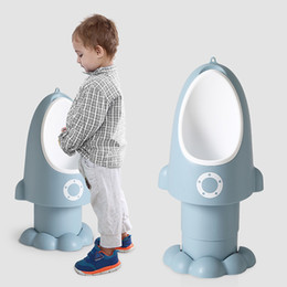 Baby Urinal Potty Trainer Multifunktions-Baby-Ausbildung Stehen Toilette Potty Kinder Kinder Wand befestigter Töpfe neue Versandkosten Free 2020 im Angebot