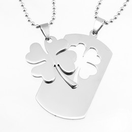 Wholesale Lovers Necklace Leaf Clover Lucky Leaf Pendants Stainless Steel Mirror Polished Plant Charms Necklace for Couple pair