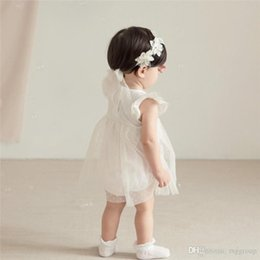 $enCountryForm.capitalKeyWord NZ - Designer Toddler Baby Girls Fly Ruffles Short Sleeve Lace Dress Rompers With Hairband 2pcs Round Collar Back Button Newborn Jumpsuits 0-2T