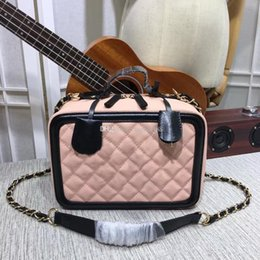 $enCountryForm.capitalKeyWord NZ - Hot sale new Fashion Bags Cosmetic Bag Shopping bag Luxury Bags Women Sliding chain strap Antique hardware Lady Brand Bags Totes Come with