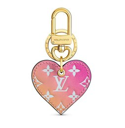 Key Lock Carabiner Australia - Love Lock Heart Gradient Bag Charm M67435 Key Holders and More Leather Bracelets Chromatic Bag Charm and Key Gift