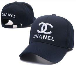 Venta al por mayor de 2019 Good Fashion North Luxury unisex Sombrero de cara Sombrero de papá Diseñador de hiphop gorras de béisbol para hombres mujeres hueso golf snapback casquette gorra Sombrero para el sol