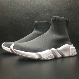 Wholesale Designer Speed Fashion Men and Women s Socks Boots Black White Blue Red Sequins Flat Men s Sneakers Sneakers Running Casual Shoes