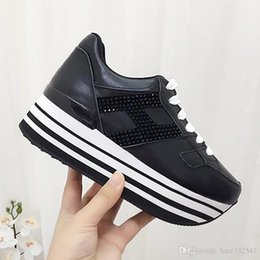 $enCountryForm.capitalKeyWord NZ - 2019 Italy Fashion design black and white bottom Lace Up shoes womens sports flat shoes comfortable casual platform Women shoes 35-40