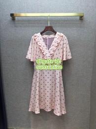 $enCountryForm.capitalKeyWord NZ - 2019 Women 100% Silk Shirt Dress Letter Print Brief V-Neck Ribbon Dress The High Custom Brand Runway Mini Skirt About Knee Cloak Dress