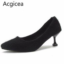 Venta al por mayor de Zapatos de vestir de diseñador 2019 Nuevo otoño Elegante Vestido de mujer Bombas Tacones altos Sexy Vintage Mujer Primavera Oficina Señoras de piel sintética concisa Calzado