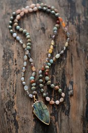 Wood Stone Necklace Australia - Boho Random Shape Natural Stone Strawberry Quartz Pyrite Labradorite Pendant Necklace Women Bead Lariat Necklace Dropship Y19050901